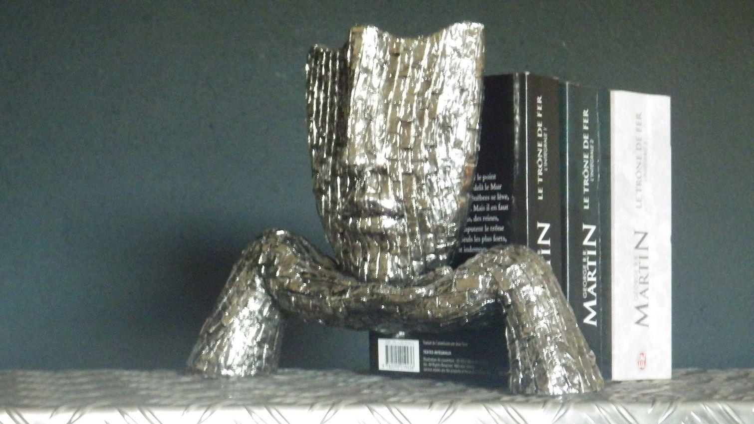 sculpture visage d coration futuriste design acier. Black Bedroom Furniture Sets. Home Design Ideas