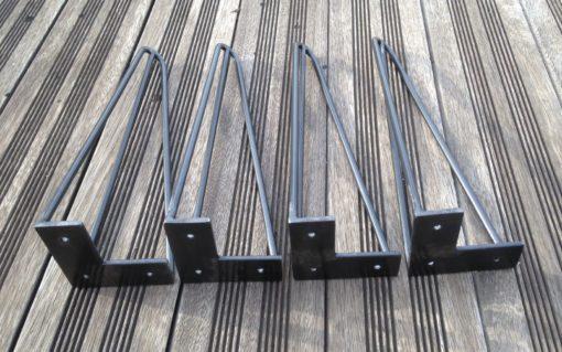 Pieds épingle Design acier détail plats d'accroche