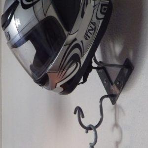 patère porte casque motard et blousons design acier