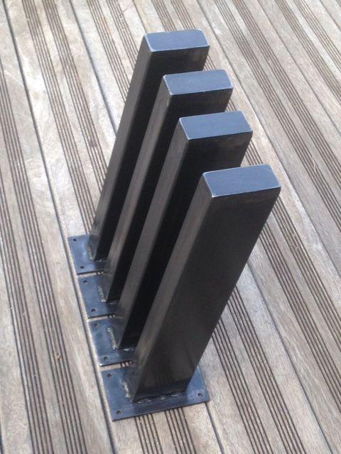 Pieds inclinés Design Acier Détail base acier