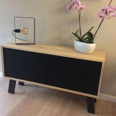 Pieds inclinés meuble bas Design Acier