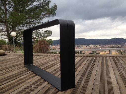 Pieds 2 cintres Design Acier vus de profil